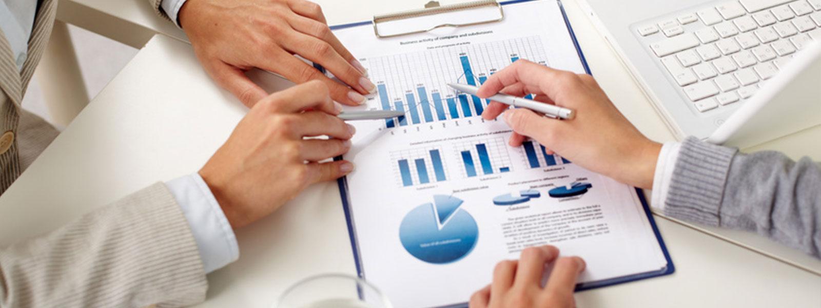 Programació a mida i gestió de continguts en aplicacions